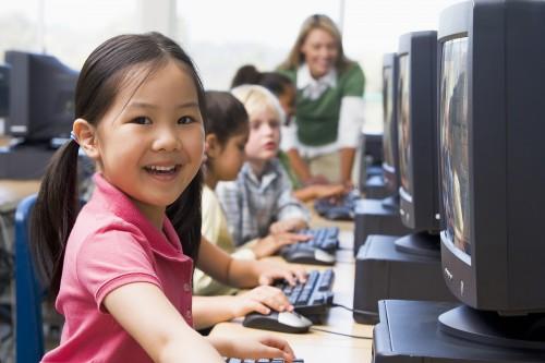 bigstock-children-at-computer-terminals-3917452