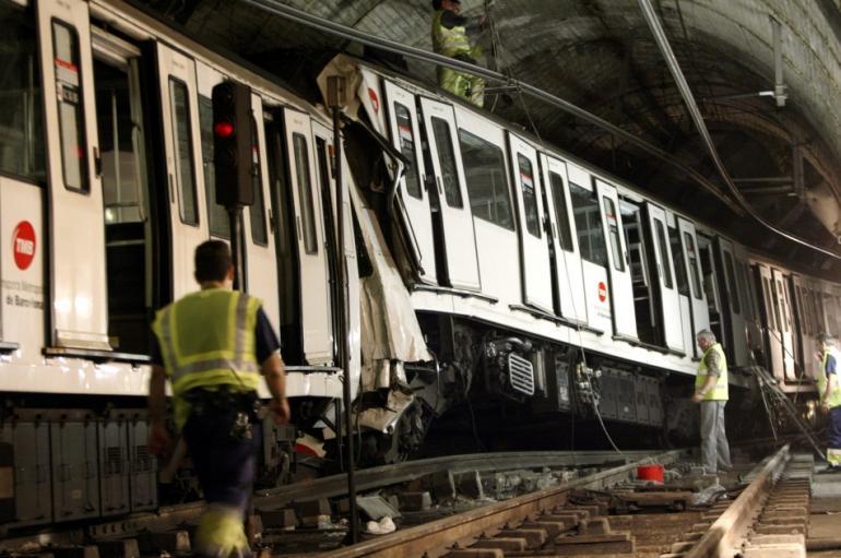 137162-barcelona-train-accident-2008